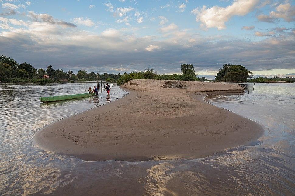 Mekong beach in Si Phan Don