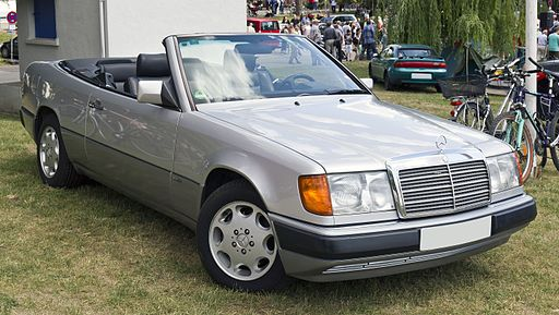 Mercedes-Benz A124 front 20110611