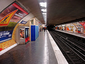 Metro Paris - Ligne 5 - station Republique 05.jpg