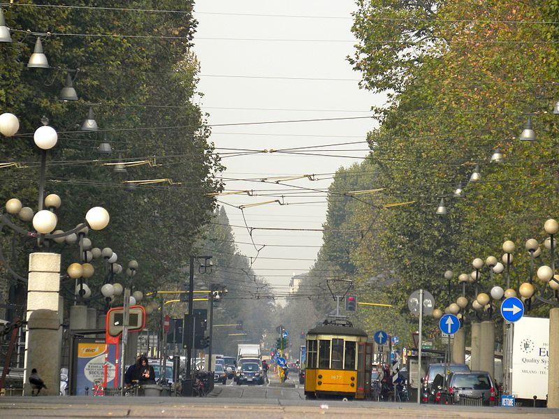 800px-Milano_corso_Sempione.jpg