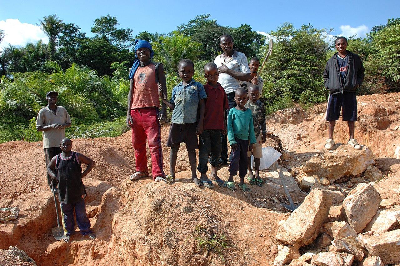 Mining in Kailo.jpg