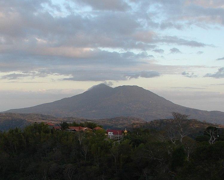File:Mombacho from Laguna Apoyo.jpg
