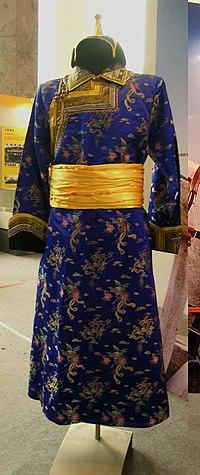 Mongolian clothing (deel).jpg