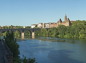 Image of Montauban: http://dbpedia.org/resource/Montauban