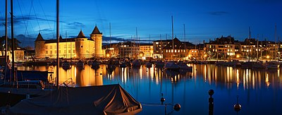 Morges evening panorama 6277.jpg