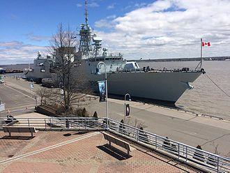 HMCS Montréal (FFH 336) - Trois-Rivières port, Mauricie, May 2017. The crew of HMCS Montréal were deployed to participate in flood relief efforts.