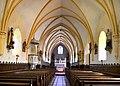 Nef de l'église Saint-Laurent du Mesnil-Rogues.jpg