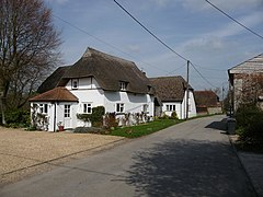 Nether Wallop - Country Cottage - geograph.org.uk - 1801379.jpg