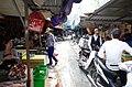 Người dân mua bán bên trong chợ Kho Đỏ, phố Chi Lăng, thành phố Hải Dương, tỉnh Hải Dương.jpg