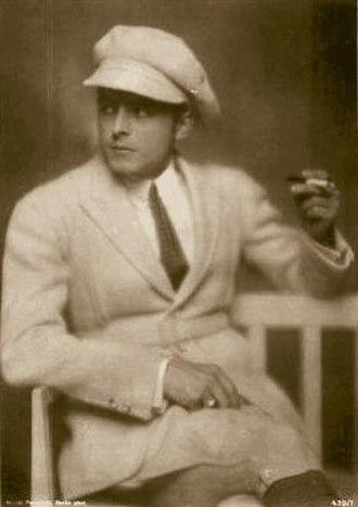 Ernst Hofmann - Ernst Hofmann