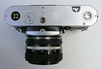 Nikon FE2 - FE2 underside