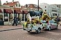 Noordwijk, restaurant Romanoff and flower cart.jpg