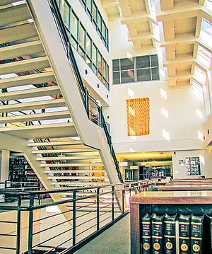 Northwestern University Pritzker School of Law - Image: Northwestern Law Pritzker Library