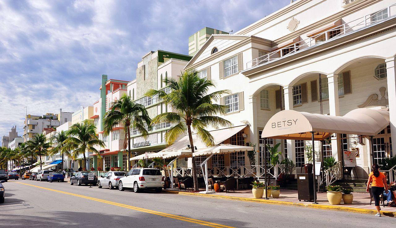 Ocean Drive, Miami (en.wikipedia.org)