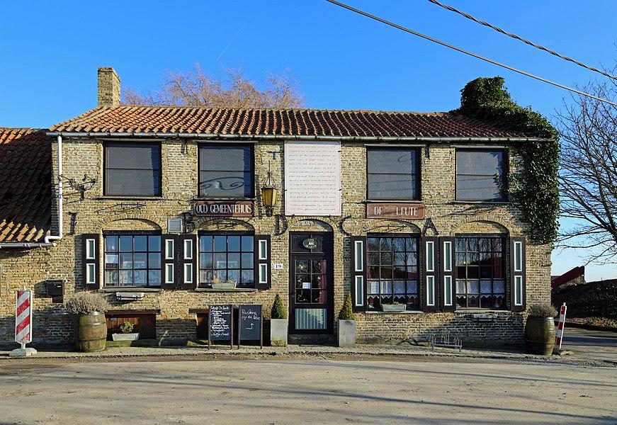 Oeren (municipality of Alveringem, province of West Flanders, Belgium): café De Leute