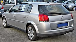 Opel Signum 1.9 CDTI rear