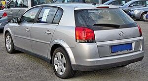 Opel Signum - Image: Opel Signum 1.9 CDTI rear