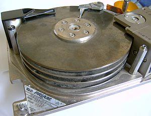 Priam Corporation - Priam harddisk 72 MB