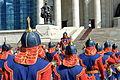 Orkiestra mongolskiej armii na placu Suche Batora w Ułan Bator 10.JPG