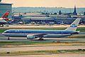 PH-BZA B767-306ER KLM LHR 15AUG00 (6762969523).jpg