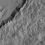 PIA20406-Ceres-DwarfPlanet-Dawn-4thMapOrbit-LAMO-image51-20160126.jpg