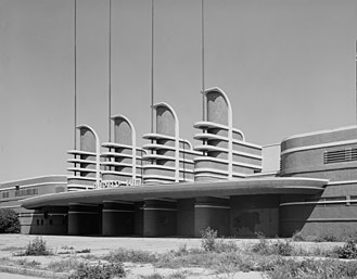 Pan-Pacific Auditorium - Entrance of the Pan-Pacific Auditorium, 1970s