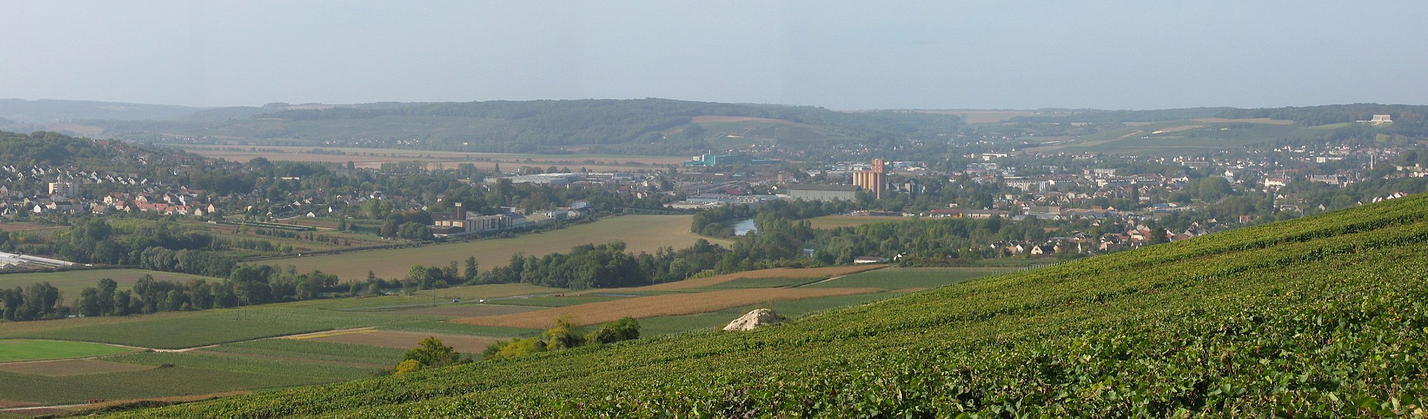 Panorama of the Marne valley with view of the city of Château-Thierry. Built from different photos.