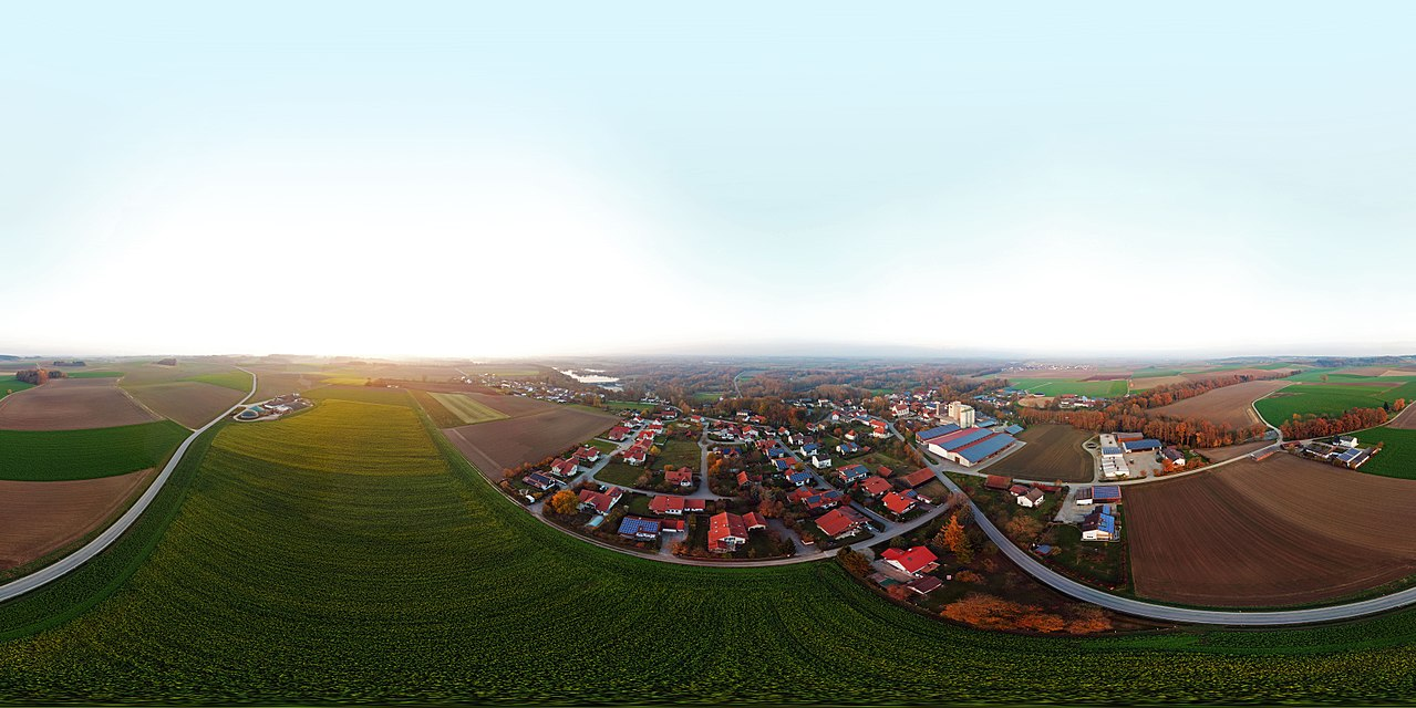 A 360-degree panorama of Ettling