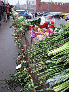 People came to the side of Boris Nemtsov's murder (2015-02-28; 40).JPG