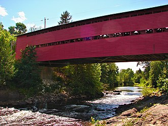 Picanoc River - Covered bridge over the Picanoc River west of Gracefield