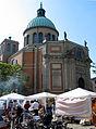 Plaza Cultural Iberoaméricana 2013, 09f10g Basilika St. Clemens und Stände, gesehen von der Clemensstraße in Hannover.jpg