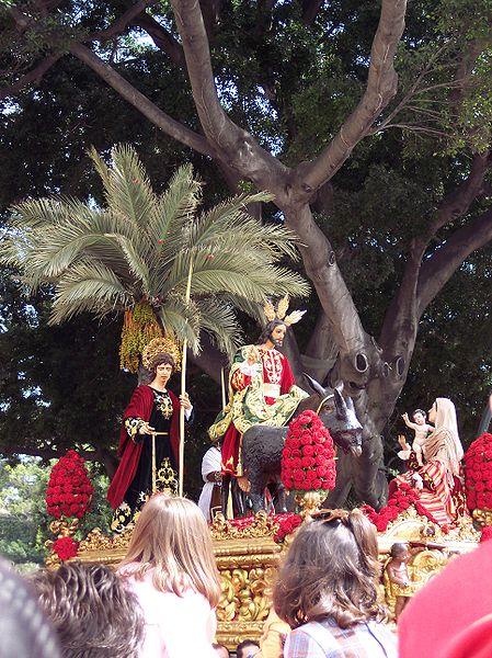 procesion de la pollinica en malaga