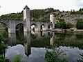 Pont Valentré de Cahors.jpg