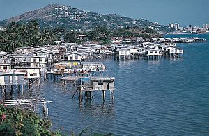 Poor coastal housing at Hanuabada in Port Moresby1.jpg