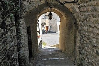 Beauchastel - Image: Porte d'entrée du village