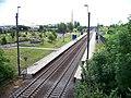 Praha-Horní Měcholupy, zastávka, z mostu.jpg