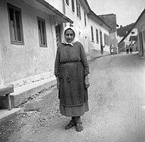 Praznična noša, Vitanje, Kotnik Julijana z doma izdelano adrco 1963 (7).jpg