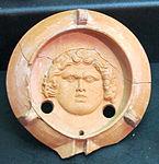 Prima età imperiale, lucerna a canale con testa di divinità marina, 01.JPG