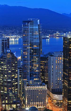 Hotel Georgia (Vancouver) - Night time view.