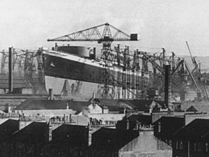RMS Queen Elizabeth - Hull 552 (Queen Elizabeth), growing on the stocks.