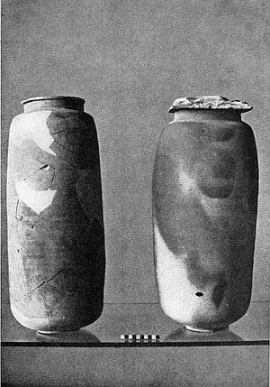 Qumran Caves - Qumran pottery