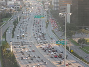 Interstate 610 (Texas) - I-610 seen from Park Towers South (North Post Oak and I-610) in Houston; view toward south and toward the interchange with I-69/US 59