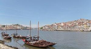 Rabelos en el río Duero, Vila Nova de Gaia, Portugal, 2012-05-09, DD 10.JPG