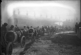 1913 French Grand Prix - Racing cars at the 1913 French Grand Prix at Amiens