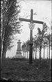Replique de la croix de 1888 erigee par Jacques Cartier en 1536, parc Cartier-Brebeuf.jpg