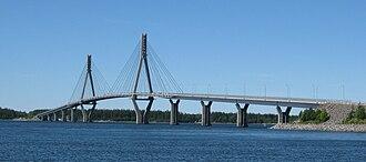 Replot Bridge - The bridge as seen from the Fjärdskäret skerry