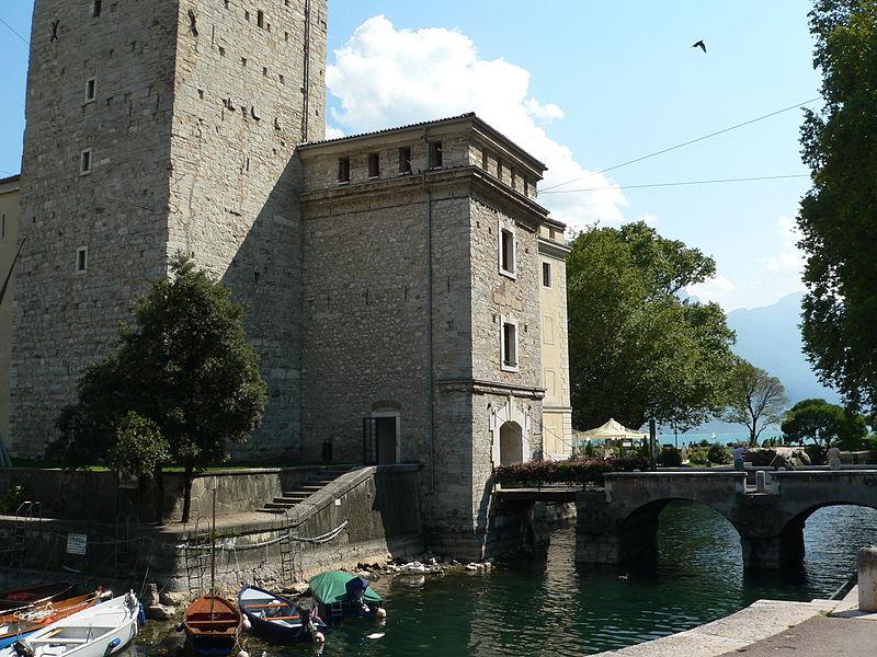 File:Riva del Garda2005-03.JPG