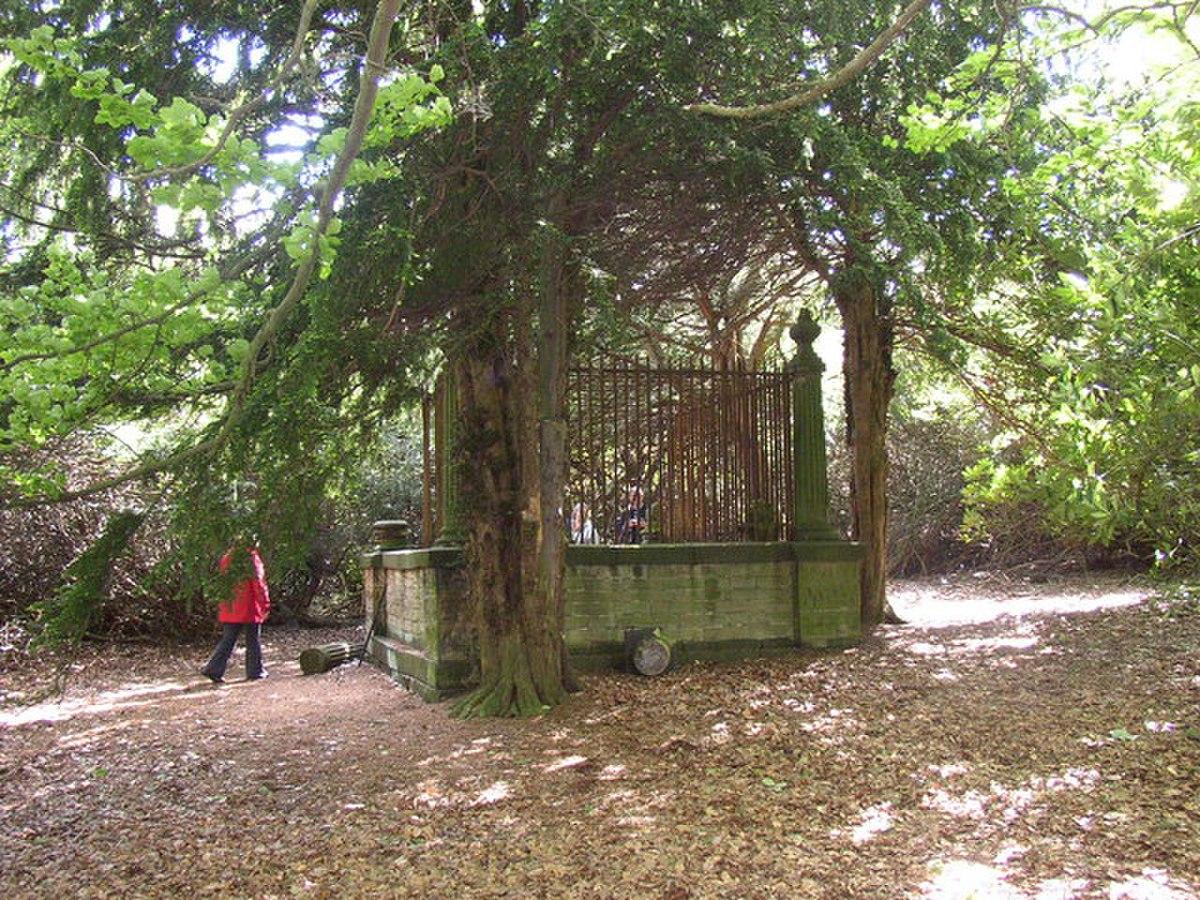 Robin Hood's Grave, Clifton - geograph.org.uk - 177704.jpg