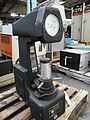 Rockwell hardness tester 001.jpg