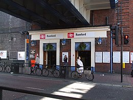 Romford station entrance.JPG